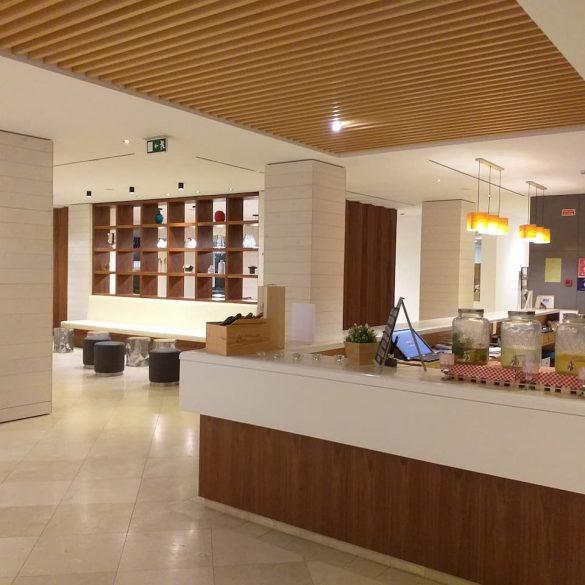 Hotel Vitoria Lobby